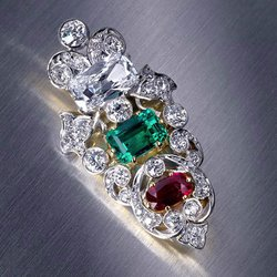 $8 Garage Sale Brooch Delivers $26,250 Windfall at Bonhams Auction